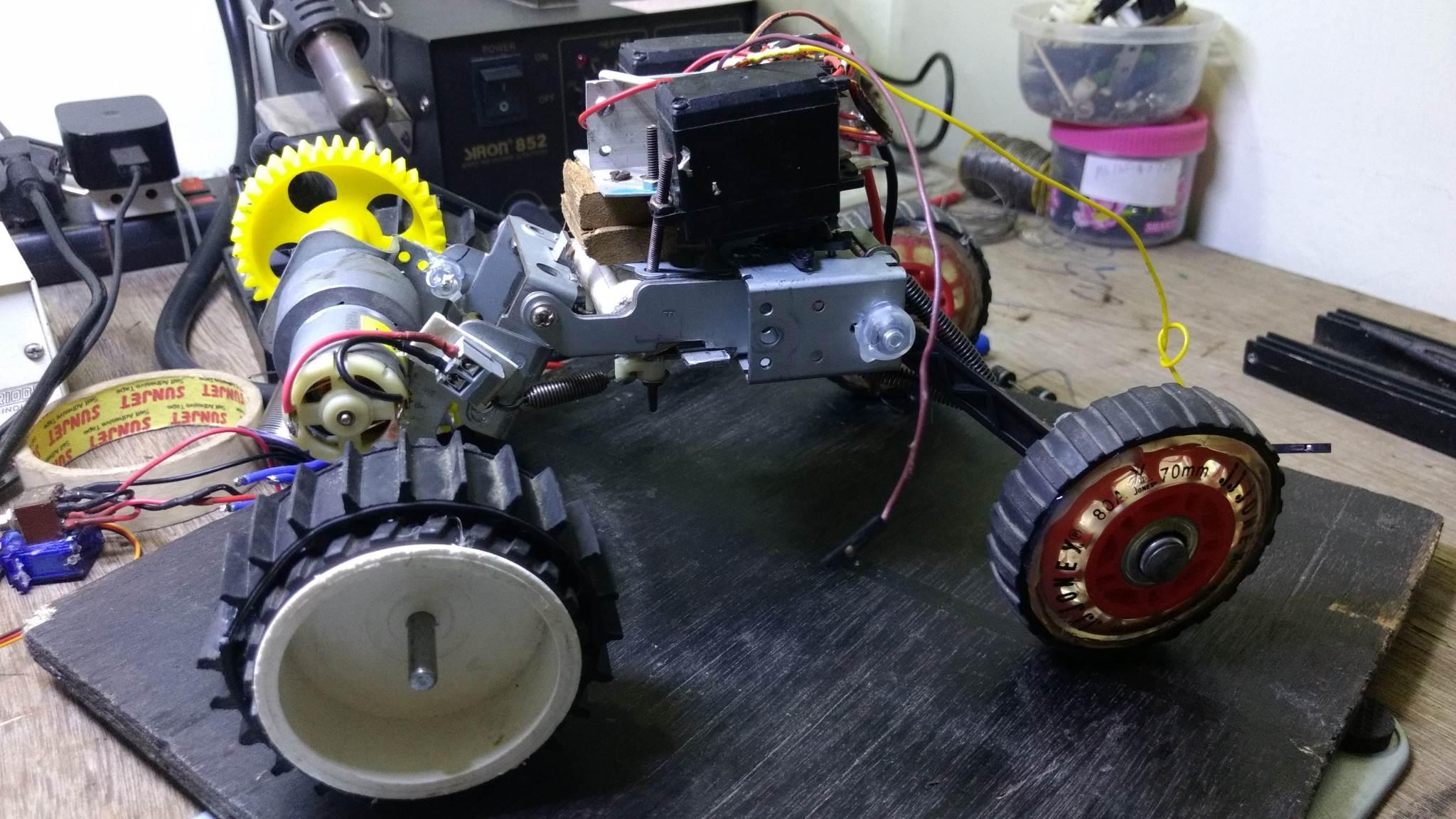 DIY RC Car with Suspension