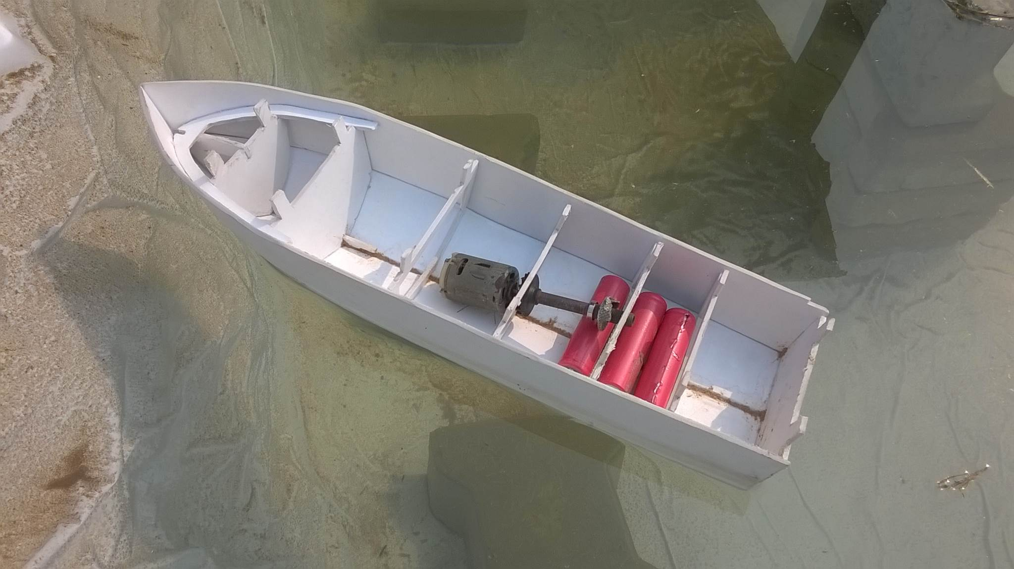 Testing the RC Boat on Water for leakage and balance