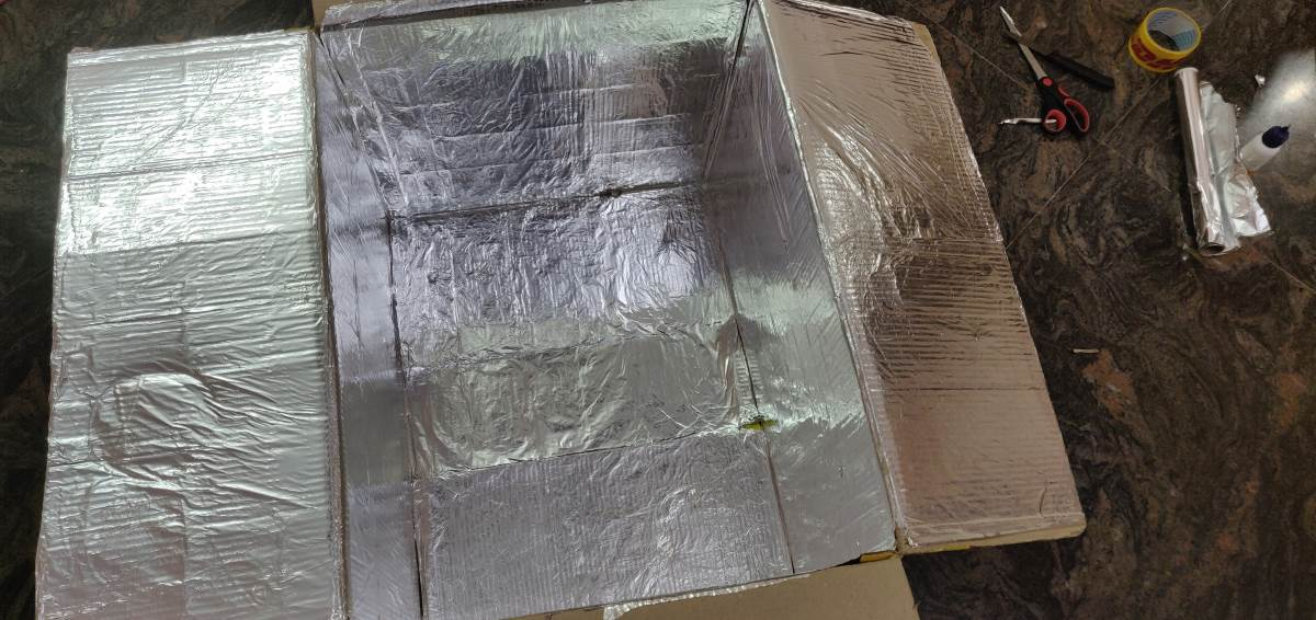 Partial Covered Aluminium foil inside UV Box